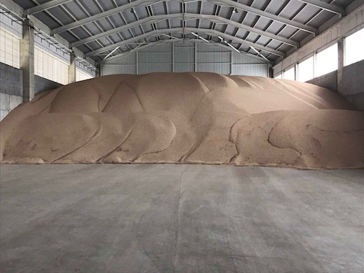 Grains collection and storage before loading